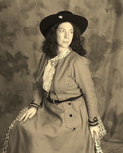 annie-oakley-seated-1-3-1
